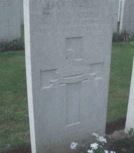 Arthur McCardle's headstone in Delsaux Farm Cemetery, Beugny, in northern France