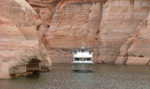 Boat on Lake Powell, Utah (c) Jennifer Mosher