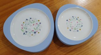 Copeland Spode Wayside dinner plates and side plates
