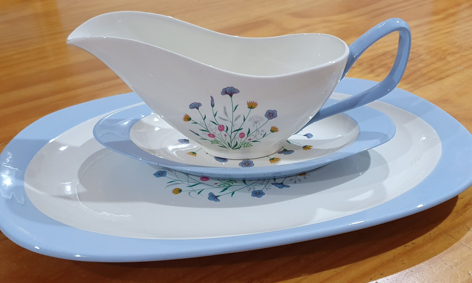 Copeland Spode Wayside gravy boat and platter side view