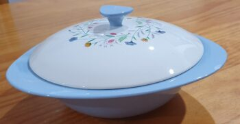 Copeland Spode Wayside lidded bowl side view