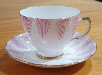 Royal Vale 7654 tea cup and saucer