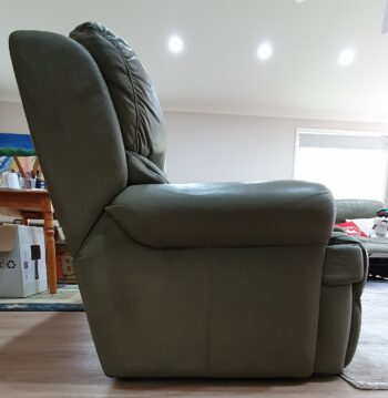 3-seater lounge - right hand end