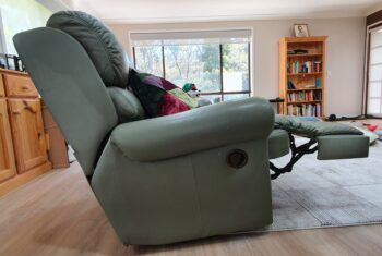 Recliner 2 - side view showing footrest