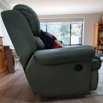 Recliner 2 - side view showing position of opening mechanism